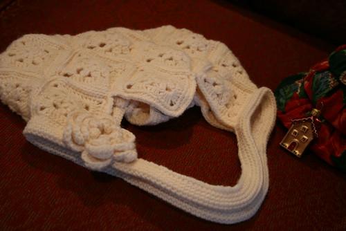 モチーフ編みのバッグ