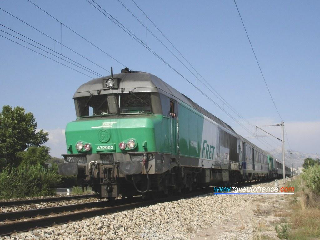 Une locomotive thermique CC 72000 en livrée FRET SNCF (la CC 72003 de Nevers)