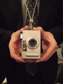 フォクトレンダーのAPSカメラ