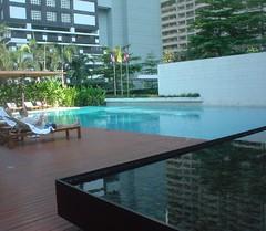 28.The Metropolitan酒店的游泳池 (1)