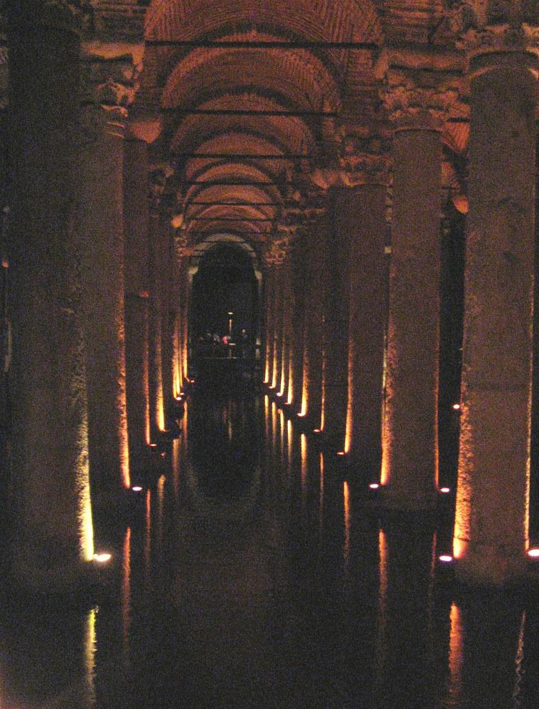 Cisterna Yerebatan, Cisterna Basílica