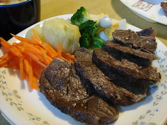 Cow shanks and warm vegetable salad with Marinade dressing