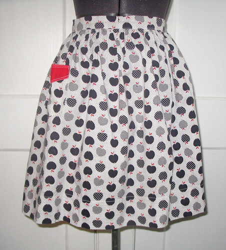 vintage apron - apples