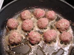 Köttbullar efter skaket liten