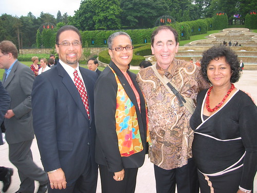 Alden McLaughlin and  Angela Martins (Cayman Islands), Justice Albie Sachs and Vanessa September (South Africa) at the Summit Dinner, Alnwick Gardens