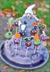 Easy POP Halloween Display photo by My Little Cupcake - No Bake Cupcake POP Mold
