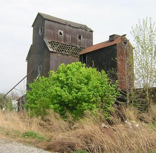 Wollenberg Grain Elevator