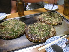 okonomiyaki picture from flickr by laughlin.
