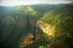 Nohkalikai Falls, Cherrapunjee photo by spo0nman