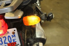 replacing turn signal bulb on bmw r1150gs
