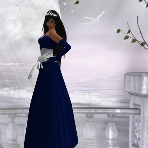 DANIELLE Fashionista - November Entry