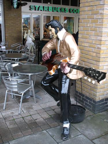 Play it Elvis! (by Steffe)