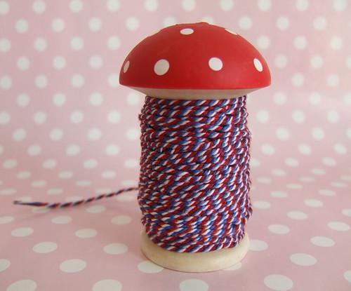 Decole - Mushroom stringalong