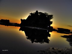 Tanah Lot Silhouette photo by Ragstatic
