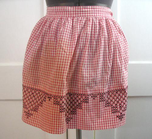vintage apron - gingham