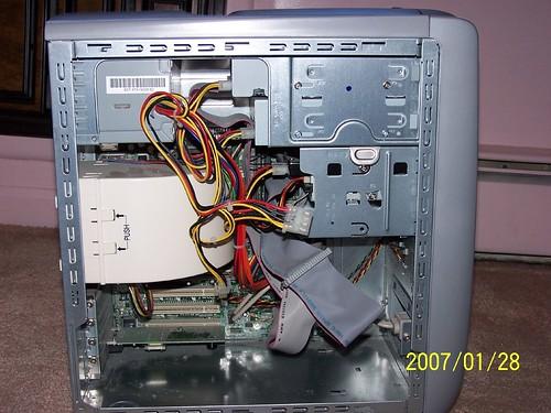 Broken Computer (by haidong)
