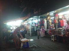 54.BTS Sala Daeng站下面的夜市