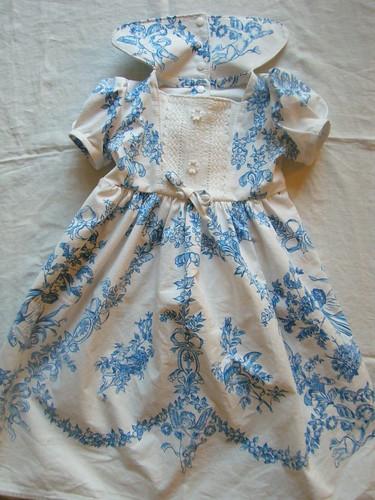 2015. ange bleu robe devant