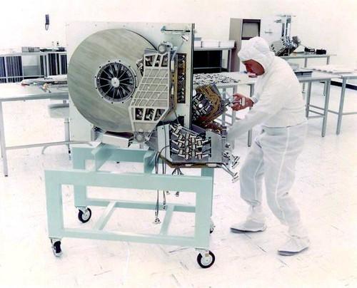 Huge 1975 hard drive