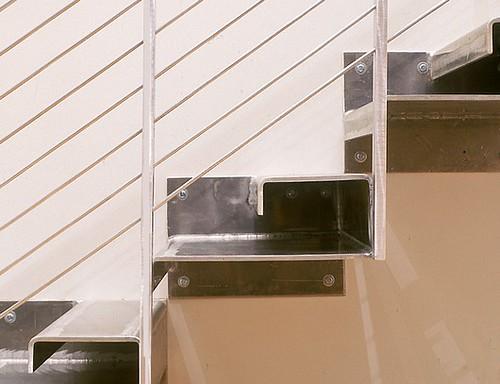 gradas de metal construcci n de la casa