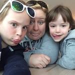Airport selfies<br/>04 Apr 2016