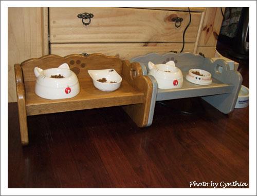 雙碗貓餐桌2