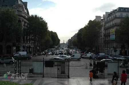 瑪德蘭教堂(Église de la Madeleine)正對著協和廣場