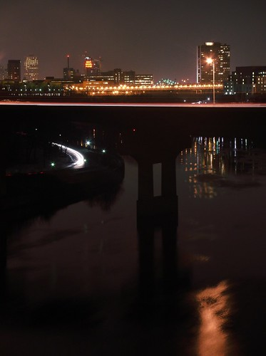 bridge_and_river_lights