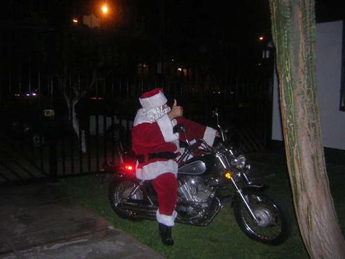 Papa Noel vino en moto