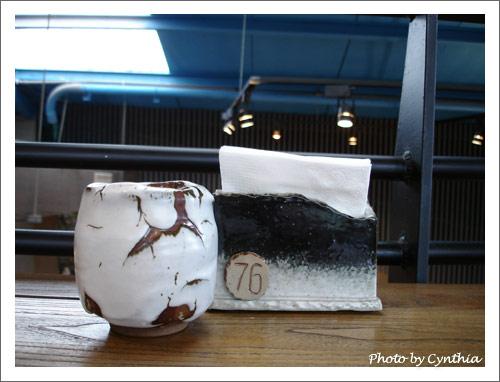 陶製的餐巾紙架