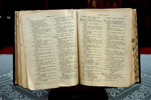 Literatura Hebrea - Midoriiro no kyōryū