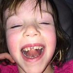 Amy lost her first tooth<br/>17 Feb 2016