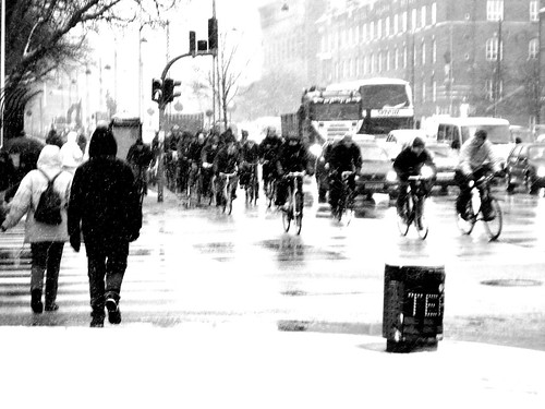 Snowstorm Rushhour (by [Zakkaliciousness])