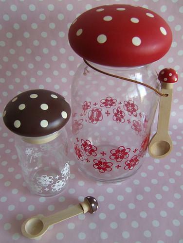 Decole - Mushroom storage jars.
