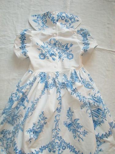 2015. ange bleu robe dos