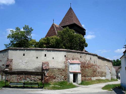 Copsa, église entouré de mur