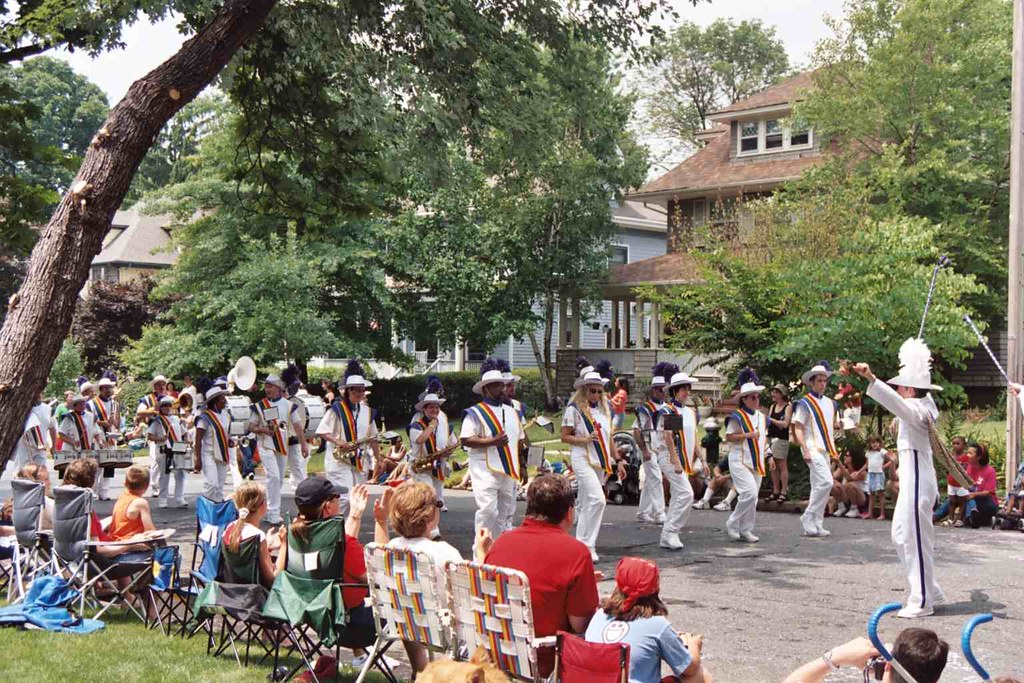 Photo of July 4 parade fabulous band