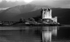 Eilean Donan Castle, Scotland photo by e/rol