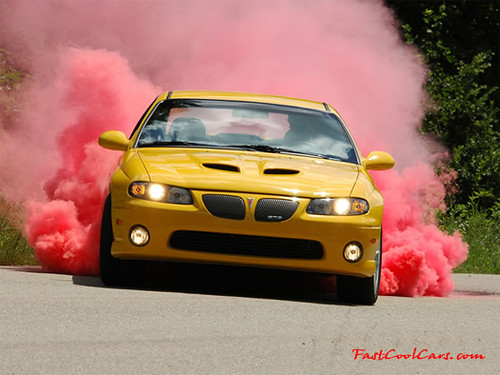 Pontiac GTO with Kumho colored smoke tires doing a burn out - Drift  Japan Blog
