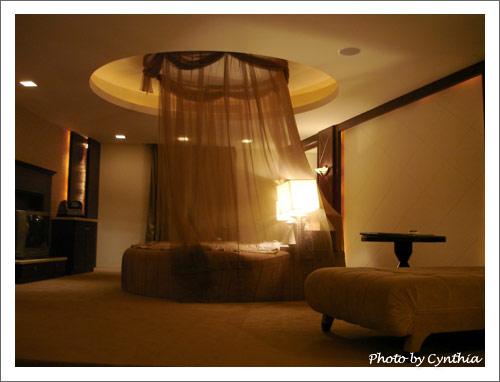 圓床和躺椅