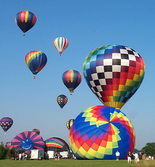 hot-air ballooning - stages of the liftoff (2003) photo by Steve from NJ