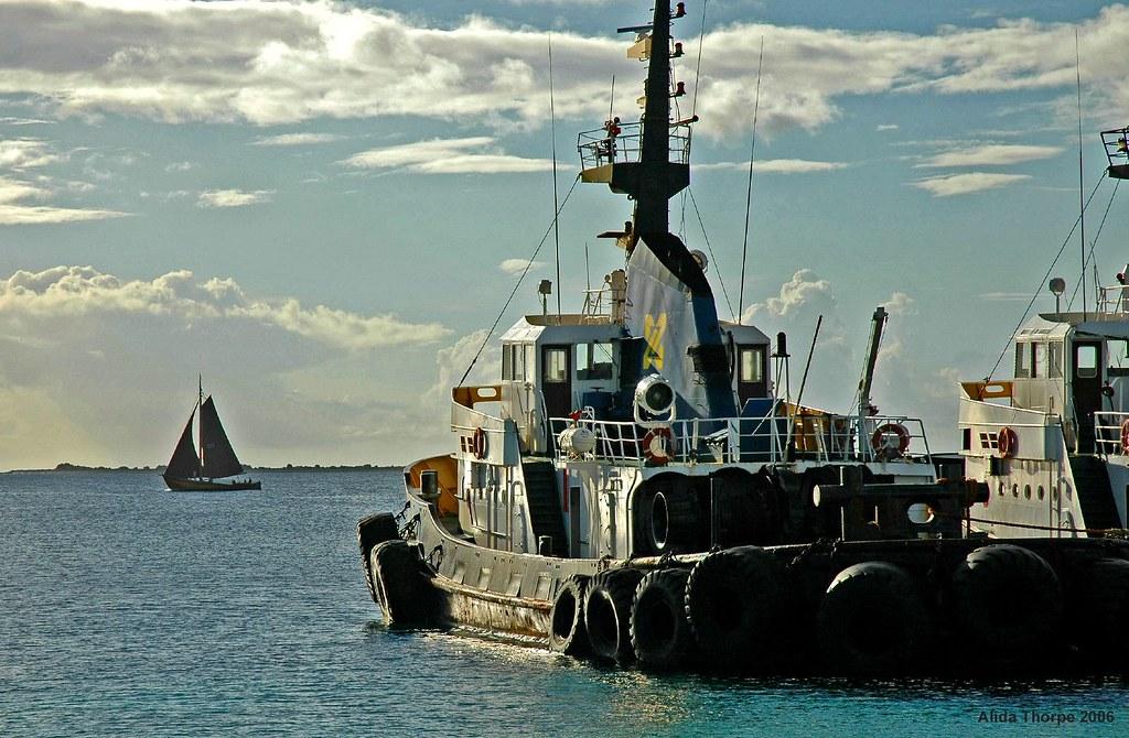 sail & tugs