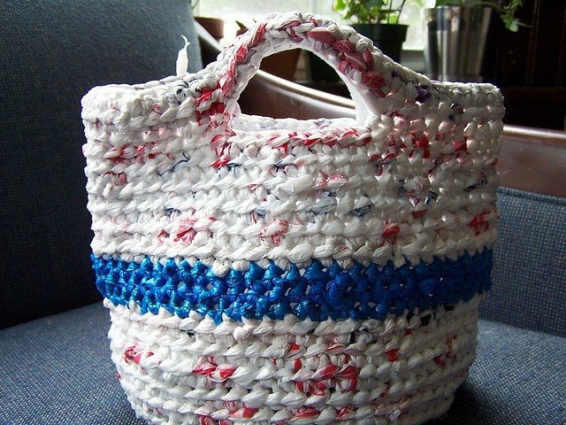 Free Crochet Patterns For Grocery Bags : PLASTIC BAG CROCHET RUG PATTERN ? Easy Crochet Patterns