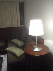 63.酒店房間的檯燈