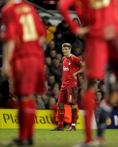 Liverpool_vs_SLB-08_03_06__foto7