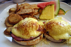 Food Porn: Eggs Benedict photo by puddlejumper
