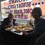 Auntie Lin & Granny tucking in<br/>23 Sep 2018