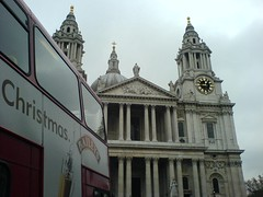 Front of St Pauls 02