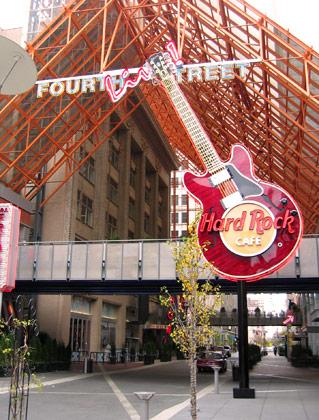 Fourth Street Live, Louisville