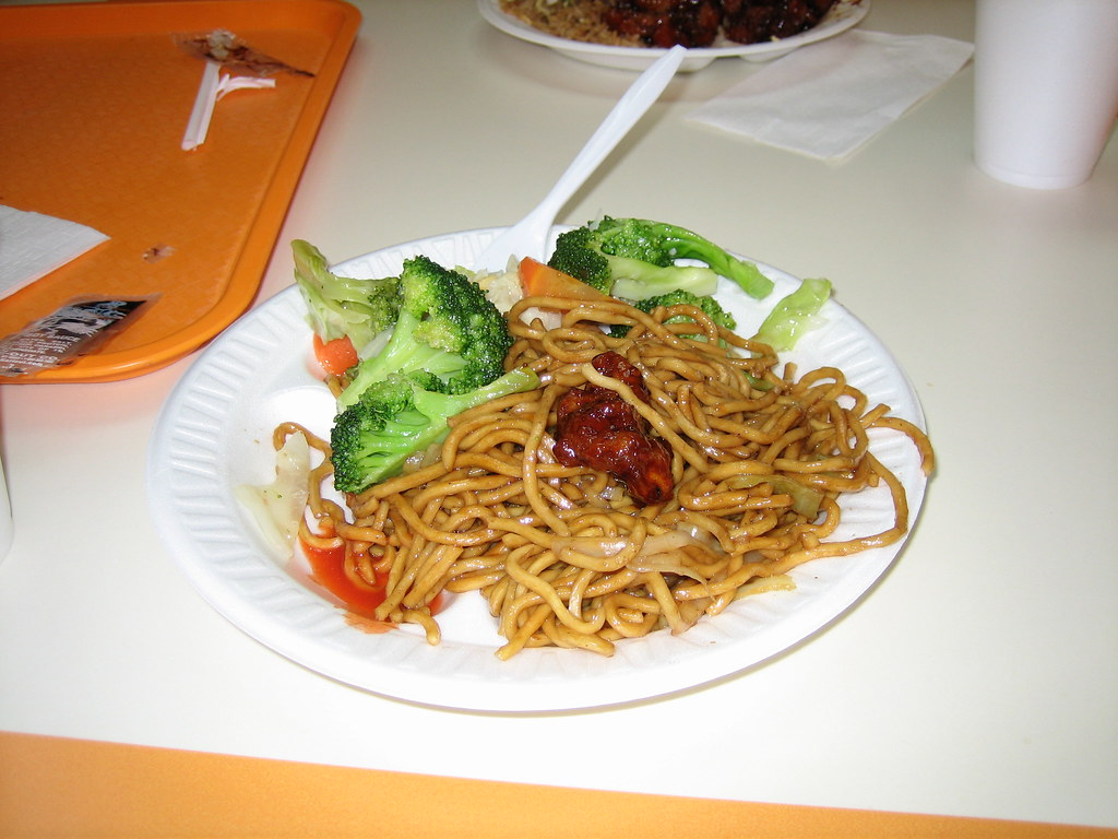 Lo-Mein and Broccoli